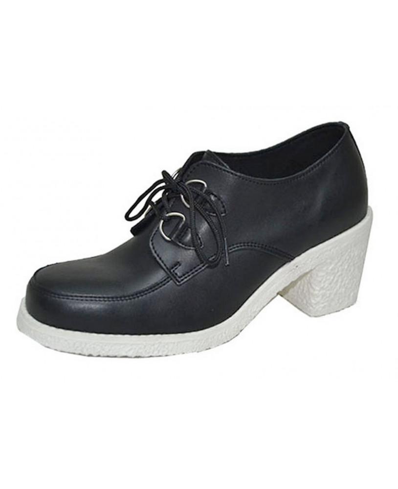 f9b74cf2ea06 Par de Zapato de cuña blanco y negro de cuero granulado con suela alta .  Modelo de Zapato de cuña Steelground para mujer fabricado por encargo.