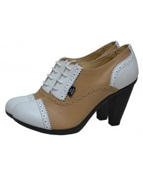 Chaussure beige et blanche...