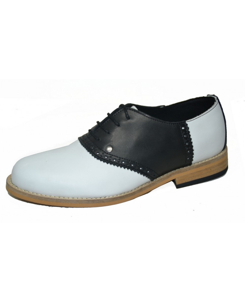 Saddle Shoes: Black & White Saddle Oxford Shoes White and black Steelground Bowling shoe in grained leather €114.00 AT vintagedancer.com